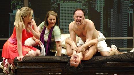 Hrvatsko narodno kazalište u Osijeku: Neil Simon, Apartman, red. Olivera Đorđević, foto: Damir Rajle