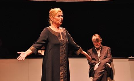 Istarsko narodno kazalište – Gradsko Kazalište Pula: Joanna Murray-Smith, Čast, red. Ivica Šimić