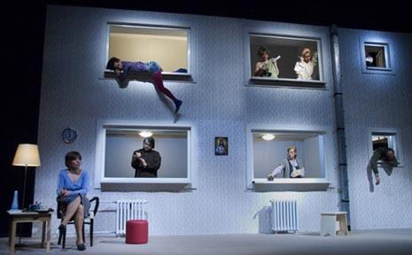 Jugoslovensko dramsko pozorište, Beograd, Srbija, Ivor Martinić, Drama o Mirjani i ovima oko nje, red. Iva Milošević