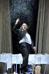 Schaubühne am Lehniner-Platz, Berlin, Njemačka; William Shakespeare, Hamlet, red. Thomas Ostermeierfoto: © Arno Declair