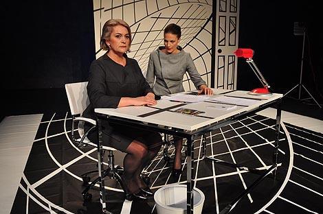 Hrvatsko narodno kazalište Šibenik: Mike Bartlett, Kontrakcije, red. Nenni Delmestre, foto: Ante Baranić