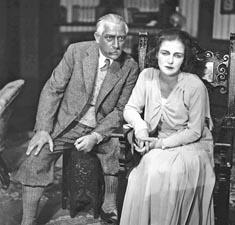 Hinko Nučić i Vika Podgorska kao Liconda i Stella u Svetom plamenu W. S. Maughama, HNK Zagreb, 1930.