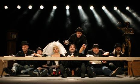 Hrvatsko narodno kazalište Ivana pl. Zajca Rijeka: Bertolt Brecht – Kurt Weill, Opera za tri groša, red. Eduard Miler
