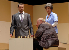 Kazališna udruga Talija, Šibenik: Vinko Möderndorfer, Šah mat, red. Mate Gulin. foto: Ante Baranić