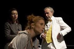 Narodno pozorište u Beogradu, Lukas Barfuss, Seksualne neuroze naših roditelja, red. Tanja Mandić Rigonat (fotografija s premijere na kojoj je u ulozi Dore nastupila Vanja Ejdus Kostić)