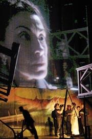 Volksbühne am Rosa-Luxemburg–Platz, Berlin, U Moskvu, u Moskvu, red. Frank Castorf