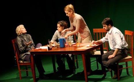 Beogradsko dramsko pozorište, Srbija, David Lindsay Abaire, Zečja jama, red. Filip Grinvald